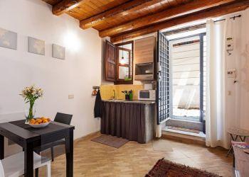 Studio apartment Palermo, Via Collegio Giusino, Studio apartment for rent