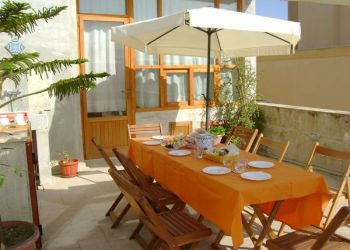 Via Principe Tommaso 7, 91027 Paceco, Bed and Breakfast Il Gelsomino