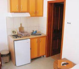 Ulica Dr. Nedeljka ?uki?a 4, 85320 Tivat, Rosi? Apartments