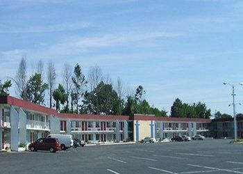 Hotel North Carolina, 978 Plantation Dr, Red Carpet Inn & Suites - Burlington