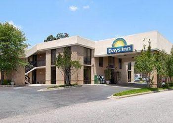 Hotel Easley, 121 Days Inn Dr, Hotel Days Inn Easley West Of Greenville, SC**
