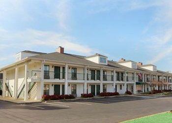 Hotel Georgia, 189 Jamison St SE, Baymont Inn & Suites Calhoun