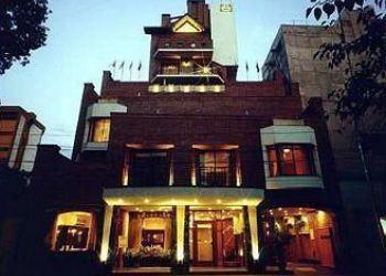 Hotel Mendoza, San Juan 1127, Hotel Reina Victoria****