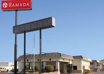 Hotel Oklahoma, 102 B J Hughes Access Rd, Ramada Inn