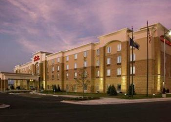 12331 Southport Parkway, Nebraska, Hampton Inn & Suites - La Vista