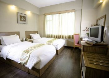 Hotel Kowloon, 32-34 Nathan Road,, Hotel Imperial***