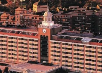 45 7th St, 11530 Garden City, Hotel The Garden City****