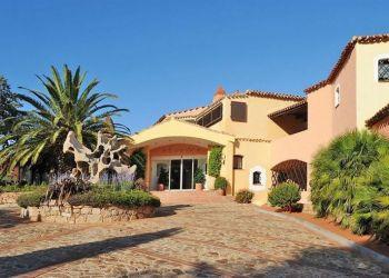 Via Golfo Pevero,, 7020 Pantogia, Hotel Le Ginestre****
