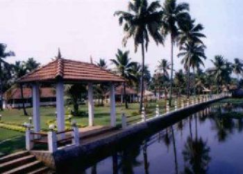 Near Chakrampady Bus Stand, Kumarakom, Golden Waters 3*