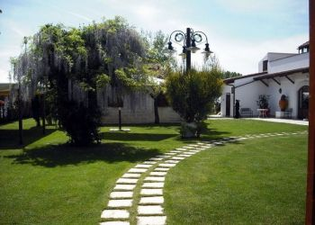 Hotel Poggiorsini, C. da Aspro Piccolo, Hotel Masseria Protomastro***