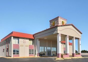 Hotel Elk City, 2801 E Highway 66, Hotel Super 8 Elk City, OK*