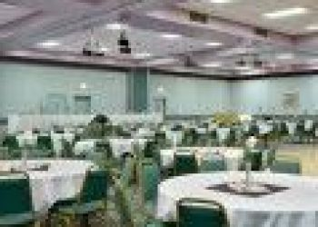 Wohnung Oakwood, 2650 I-75 Business Loop, Ramada Grayling Hotel & Conference Center 3*