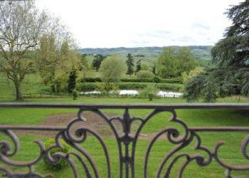 Chateau de Changy, 42123 Cordelle, Domaine Des Grands Cèdres - Maison D'hôtes