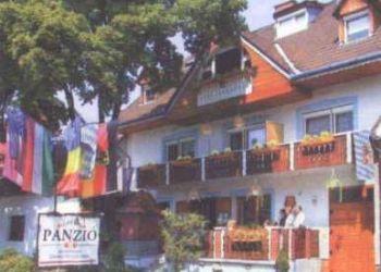 József A.u.63, 7900 Szigetvár, Lenzl's Panzió