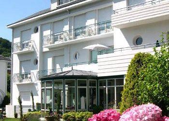 Hotel Argelès-Gazost, 44 Avenue Des Pyrenees, Best Western Le Miramont 3*