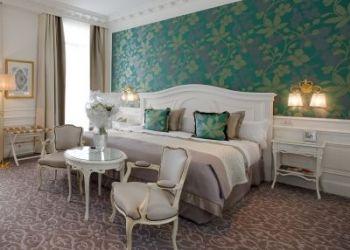 Hotel Les Révoires, Square Beaumarchais, L'hermitage