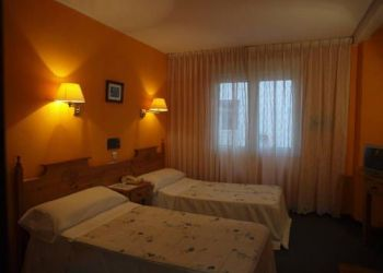 Marques De Casa Valdes, 33202 Gijón, Hotel Paris
