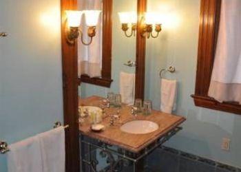 Hotel Kalamazoo, 100 Monroe Street, Henderson Castle Inn Bed & Breakfast