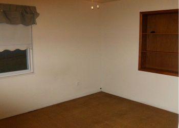 House Virginia, Ivor St, Rebecca: I have a room