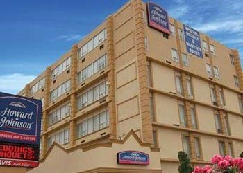 Hotel Brampton, 226 Queen Street East,, Hotel Howard Johnson Express Inn & Suites Brampton***