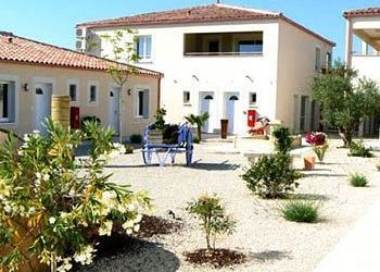 Hotel Saint-Martin-de-Crau, 11 Rue De La Transhumance, Hotel Résidence de la Transhumance