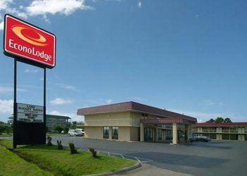 Hotel Arkansas, 2315 S Service Rd, Econo Lodge