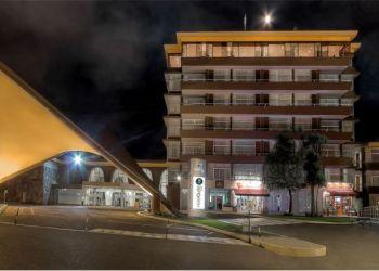 Hotel Quito, Avenida Gonzalez Suarez N27-142, Hotel Quito****