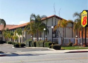 1690 West Ramsey Street, 92220 Banning, Super 8 Banning, Casino/outlet Mall