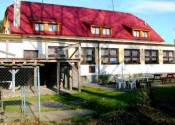 K přívozu 24, Lštění, Hotel - penzion Kormorán