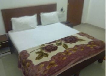 Opposite Shilpgram Bamitha Road, 471606 Khajuraho, Hotel Lotus India