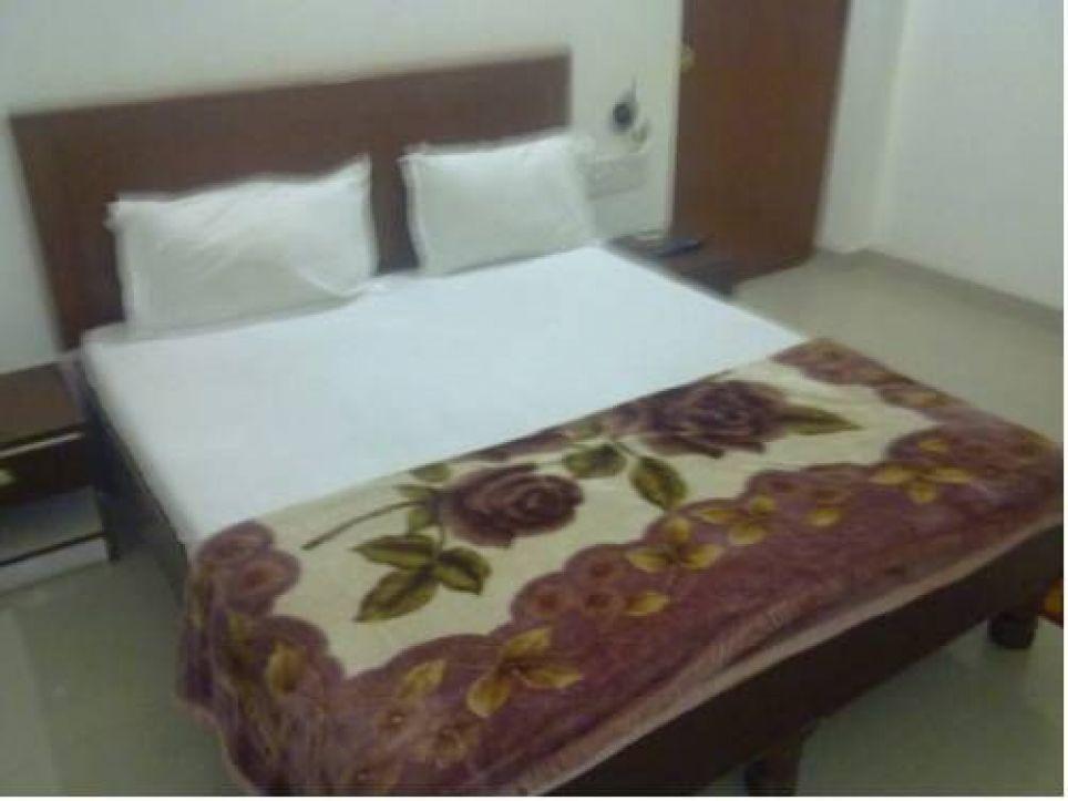 Hotel Lotus India, Opposite Shilpgram Bamitha Road, 471606 Khajuraho