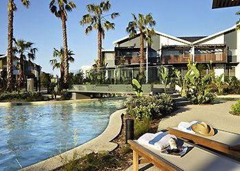Hotel Magenta, 1 Magenta Dr, Pullman Magenta Shores Resort