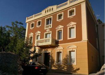 Penzión Mostar, Kalhanska 10 (Titova 151), Bed and Breakfast Shangri La