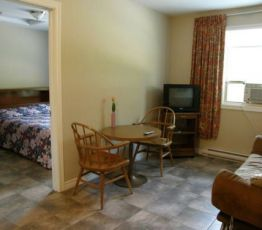 Hotel Rothesay, 80 Hampton Road, Rothesay Motel