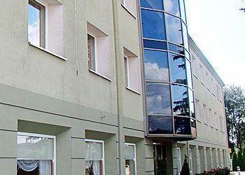 Ul. Lódzka 27/29, PL-95050 Konstantynów Łódzki, Hotel Kacperski***