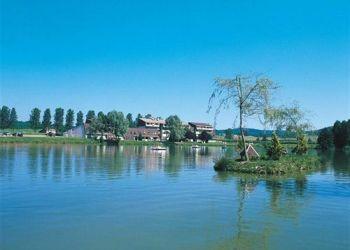 6, route de Vittel,, 52400 Bourbonne-les-Bains, Hotel Du Lac La Mezelle**