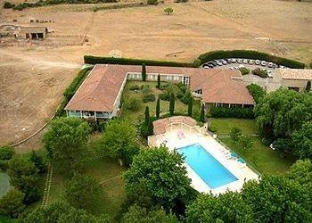 Les Sonnaillets, 13121 Aurons, Hotel Domaine De La Reynaude**