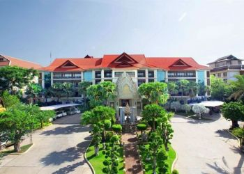 Hotel Siem Reap, 888 National Road 6, Hotel Empress Angkor****