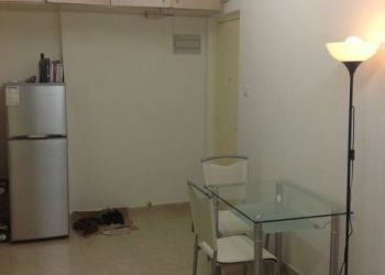 3 bedroom apartment Western / Kennedy Town, Hong Kong Island, Queen' s road west, Jerry: I have a room