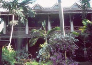 Jl. Suryodiningratan 29, 55141 Yogyakarta, Hotel Wisma Ary's