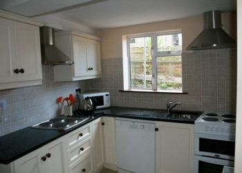 House Munster, Highfield Avenue, Ruth: I have a room