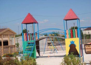 Azovskaya Street 111b, 75581 Heniches'ka Hirka, Leto-arabatka Resort