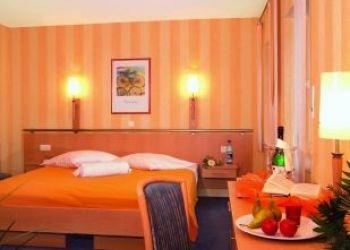Neuenkirchener Str. 9, 49593 Bersenbrück, Hotel Zum Heidekrug