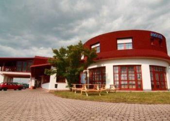 Herberge Černožice, Černožice nad Labem 297, Pohodlný motel Arkus s restaurací