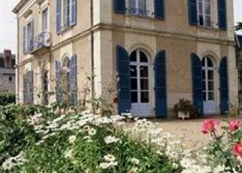 Hotel Chateau-Gontier, 46 Avenue Du Marechal Joffre, Hotel Logis Le Parc***