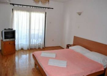 Slobode 23, 85315 Sveti Stefan, Villa Nikola Kentera