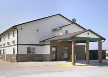 2601 East 12th Street, 61342-0526 Mendota, Hotel Super 8 Mendota, IL**