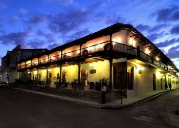 Albergo Granada, In front of Parque Central, Hotel Plaza Colon