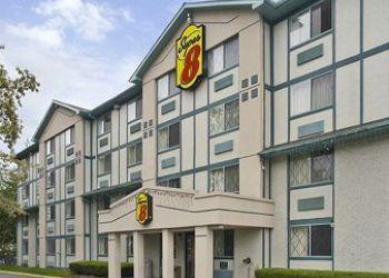 32 Grenhart Rd, 06092-5525 Stamford, Hotel Super 8 Stamford, CT**