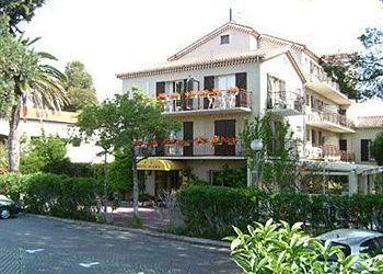 Hotel Mandelieu-La-Napoule, 681 Avenue De La Mer, Hotel Acadia**